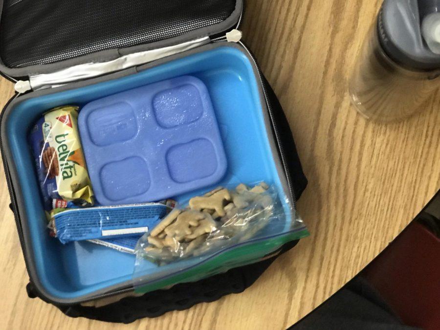 sack lunch-animal crackers