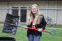 Students+help+do+yard+work+at+different+places+around+McPherson.+