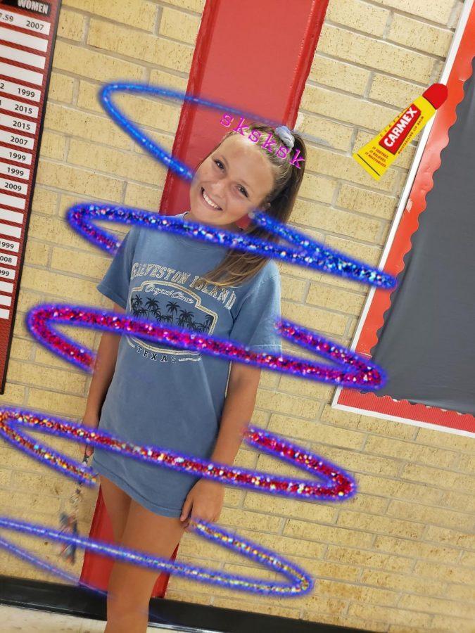 10th grader Katelynn Mintzer as a VSCO girl